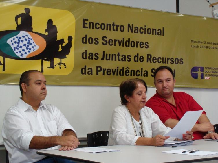 Presidente da CUT, Vagner Freitas, Terezinha Aguiar, e Sandro Alex, presidente da CNTSS, durante o Encontro Nacional
