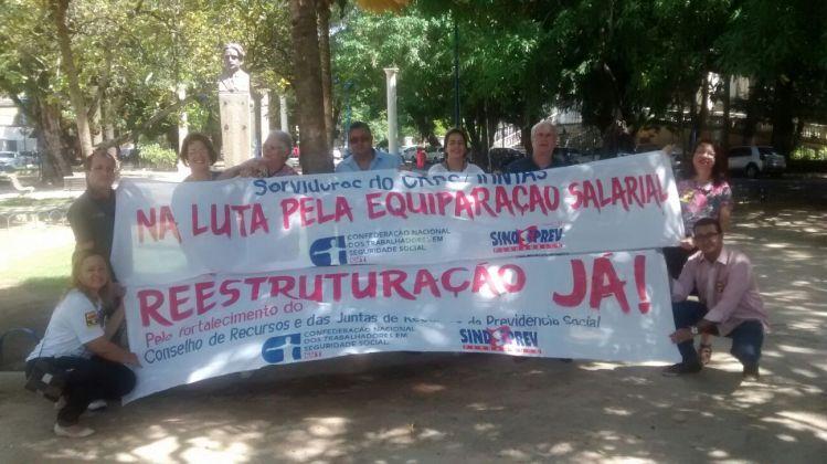 servidores da Junta emPernambuco, participam da greve nacional