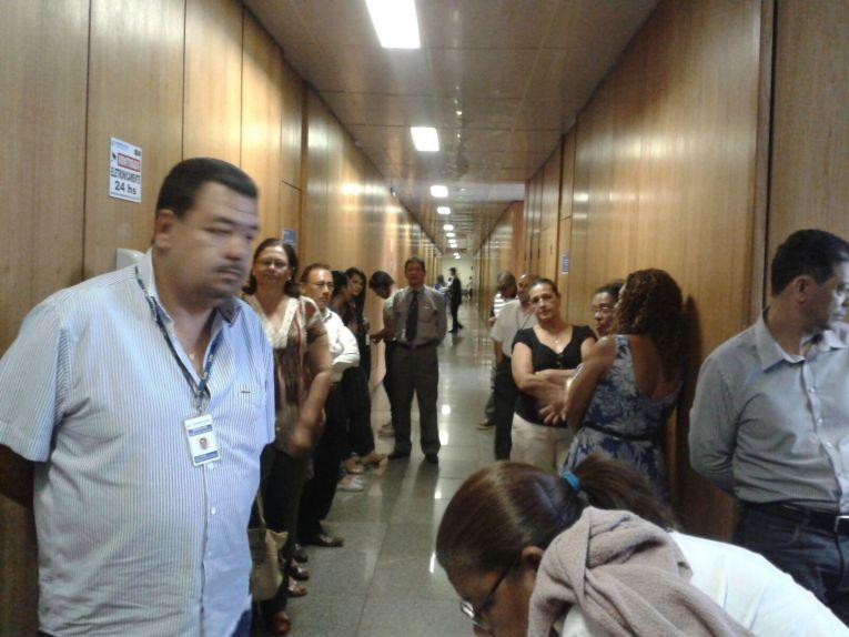 Servidores do MPS, em Brasília.DF, pressionam por reunião no Gabinete do Ministro