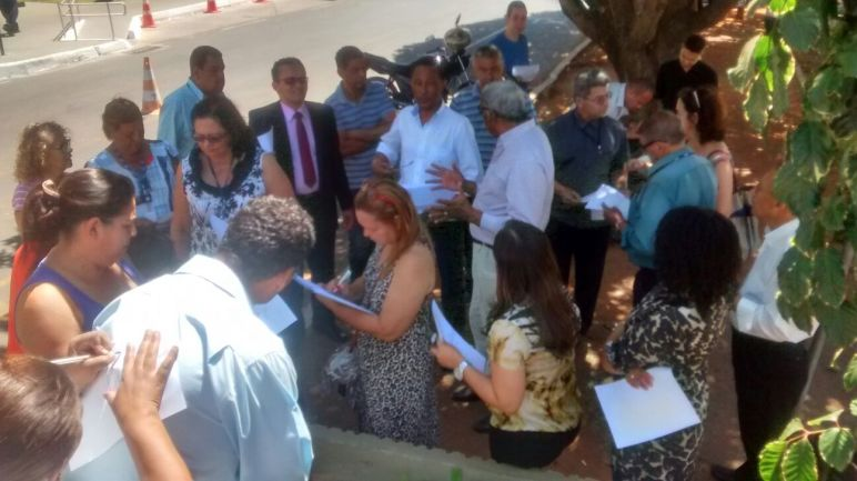 Em visita aos parlamentares solicitando apoio. Deputado Paulão, PT/AL